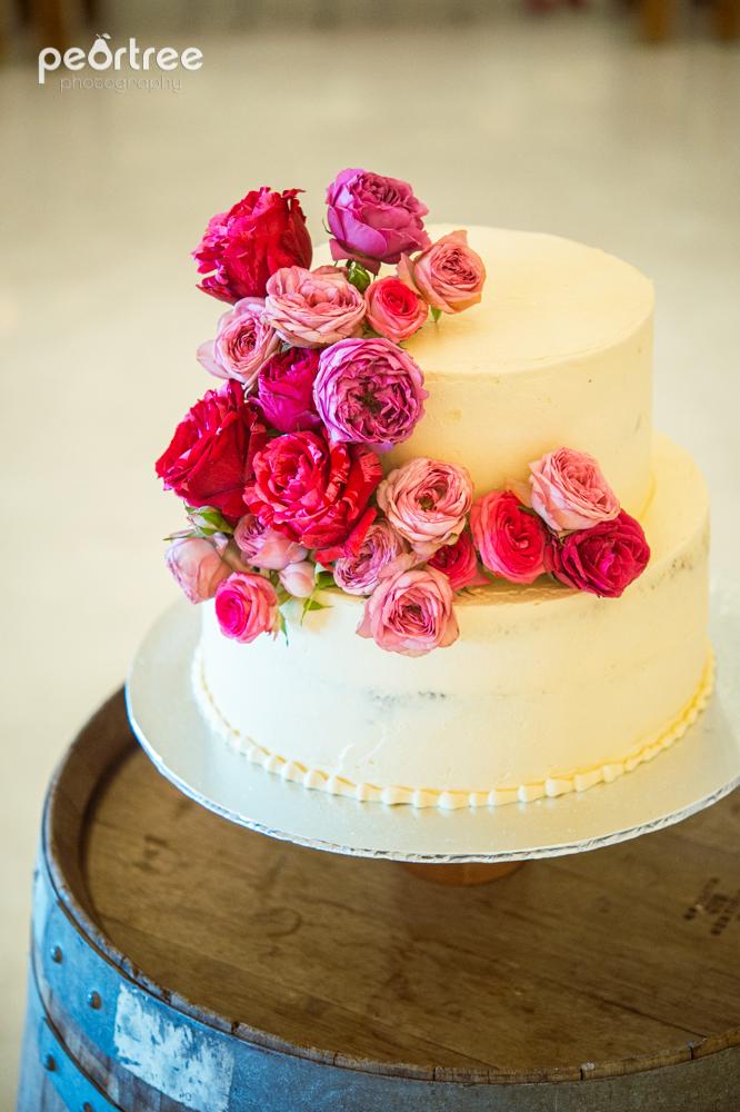 wedding flowers, wedding cake, ladybloom